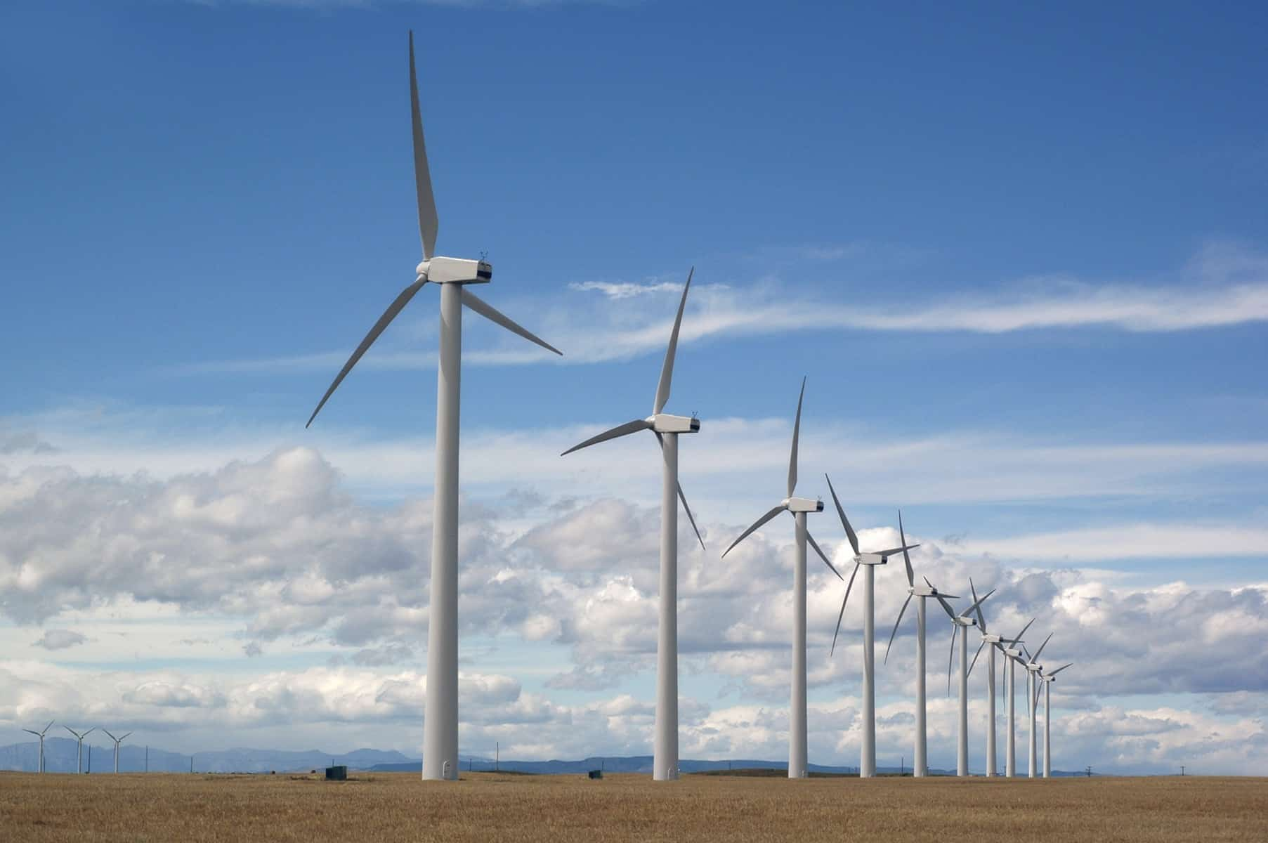 iStock 000000301417Medium - Wind Energy System Data Collection and Storage